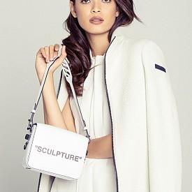 Риза MAX MARA от STYLEBOP.COM, палто RRD, чанта OFF-WHITE от STYLEBOP.COM