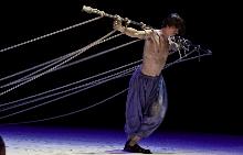 Пламен Димов (в дясно) в ролята на Исус на сцента на Народен театър.