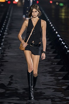 Шоуто на Saint Laurent за пролет-лято 2020, бърз поглед