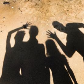 Плажно селфи на щастливо семейство с деца на море