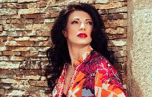 Мария Грънчарова в кадър от фотосесията за списание ELLE/юни 2015