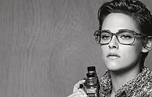 Кампанията на Chanel Еyewear Spring 2015 с лице Кристен Стюарт