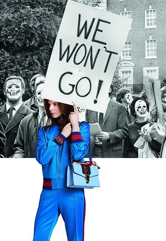 По следите на женските битки с новата мода – кадър от модна фотосесия в новия брой на сп. ELLE.