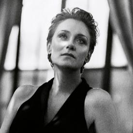Койна Русева в кадър от фотосесията за априлския брой на списание ELLE България
