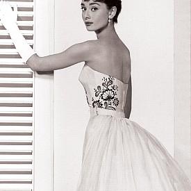 Одри Хепбърн в рокля на Givanchy