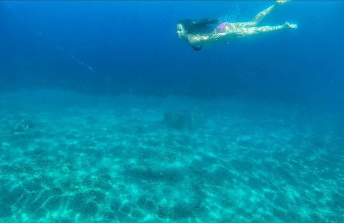 Отдавна не бях стояла с часове в морето.