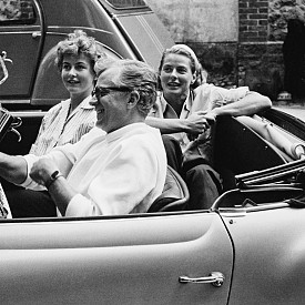 Ингрид Бергман със съпруга си Ларс Шмид и дъщеря им Пиа, 1958 г.