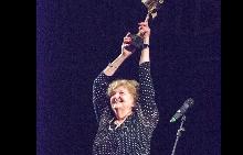 Татяна Лолова с наградата за цялостен принос