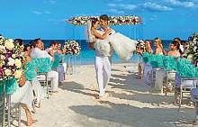 SECRETS PUERTO LOS CABOS GOLF & SPA RESORT – ЛОС КАБОС, МЕКСИКО / На брега на СПА и Голф курорта Secrets Puerto Los Cabos в Мексико може да преживеете незабравими мигове. Не само е идеално място за сватбен ден, но и за романтично бягство на много двойки. Може да настаните гостите си в елегантната бална зала, но да имате и оригинално тържество в палатки на плажа.
