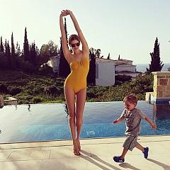 Елена два месеца след раждането на третото си дете.