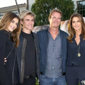 Семейството на Синди Крауфорд е най-красивото в Америка