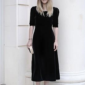 Ekaterina MUKHINA, главен редактор, Русия, рокля и обувки Saint Laurent, чанта Chanel
