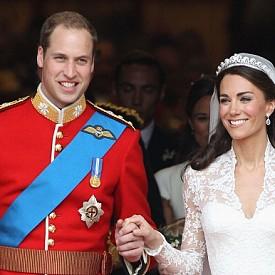 4. Много британски медии пишеха, че Кейт самата си е направила сватбения грим. Не на всички е извезстно, обаче, че по-рано Мидълтън е взела уроци от известната гримьорка Арабела Престън.
