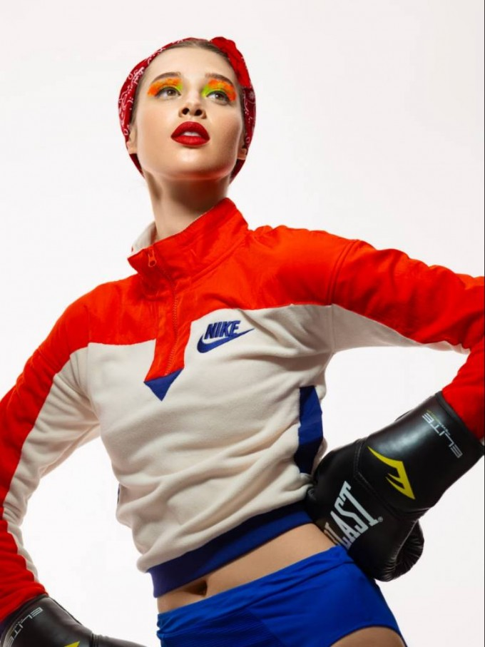 Пуловер NIKE, долнище на бански костюм SHADE SHORE