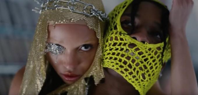 Dior oт ерата на Джон Галиано и още много мода в клипа на A$AP Rocky и FKA Twigs