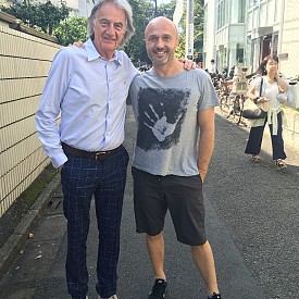 Георги Тошев заедно с дизайнера Пол Смит - и двамата, влюбени в Токио!