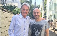 Известният български журналист Георги Тошев заедно с дизайнера Пол Смит - и двамата, влюбени в Токио!