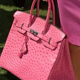 Цените за чанта Birkin започват от около 8,500 долара.