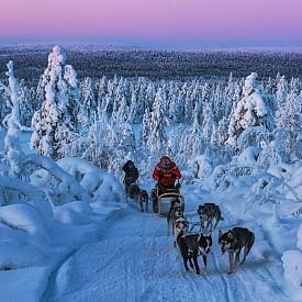 @ivandementievskiy / Северна Карелия, Урал, Кавказ, Хималаите и други места за трекинг, автопътешествия и екстремни пътувания са запечатани на снимките на Иван Дементиевски.