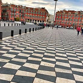 В края на площад Massena е точното място за селфи с точния хаштаг