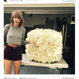 Тейлър Суифт получи цветя от Кание Уест