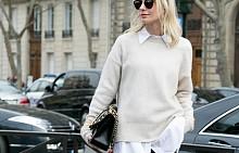 НАПЛАСТЯВАЙТЕ:  За да добавите доза интрига в стила с пуловер, комбинирайте го с риза или блуза, която се подава под него. Най-добре е да е от различна материя в контрастен или в почти същия оттенък. Акцентирайте с обемно колие или аксесоар.