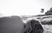 Бруклин Бекъм снима гаджето си гола