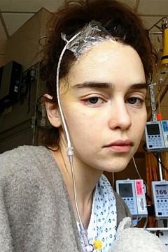 Емилия Кларк в болницата след прекаран инсулт