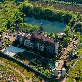 Замъкът в Равадиново от птичи поглед