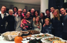 Гуинет Полтроу и Крис Мартин със семействата