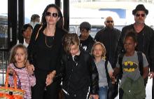Семейството на Брад и Анджелина