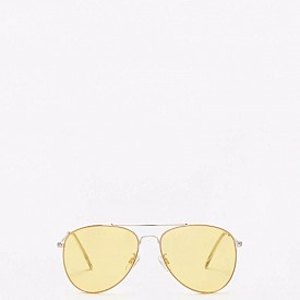 Oчила MANGO са страхотен аксесоар, за перфектно пролетно настроение