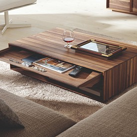 Максимално използване на пространството. Тази маса на Wharfside (http://www.wharfside.co.uk/) е не само стилна, но и много практична, защото разполага с вградени шкафове, в които можете да съхранявате нещата, които използвате най-често.