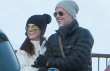 Сандра и Рандал на ски с децата