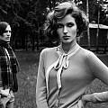 Мистерията Twin Peaks e вдъхновение за специална модна фотосесия в elle.bg
