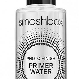 Подгответе, фиксирайте и освежете кожата си само с едно пръскване! Photo Finish Primer Water прави кожата мека, без да добавя блясък. Формулата е многофункционална – може да се използва като база, но и фиксира и освежава грима през целия ден. Продуктът е обогатен с електролити за моментално съживяване на кожата и хидратиране. За още по-голяма свежест, сложете в хладилника преди употреба.