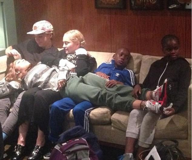 Семейството на Мадона