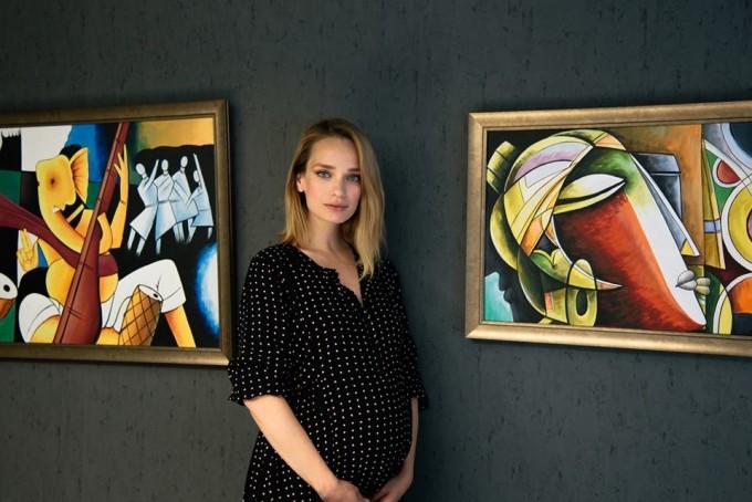 Моделът Ирена Милянкова, която наскоро роди шестото си дете