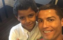 Кристиано със сина си