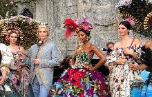 Dolce&Gabbana показаха хамелeоните на своята ALTA MODA колекция