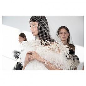 Haute Couture вдъхновение няколко часа преди полунощ