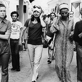Джаки Кенеди, вече като г-жа Онасис, в Капри, началото на 70-те години.