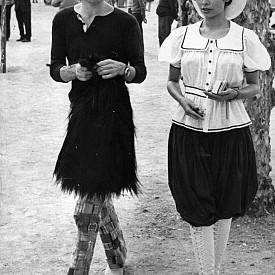 Френската ривиера носи романтични спомени от любовта между Бианка Морена и Мик Джагър. Двамата дори избират кметството на Сен Тропе за подписването на своето брачно свидетелство през 1971 г.