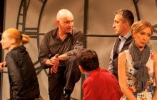 """Христо Шопов и колегите му с постановката """"Човек от земята"""""""