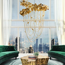Златен полилей +златна кафе масичка + зелени дивани = безкомпромисен шик