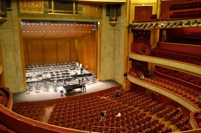 Theater Champs-Elysées