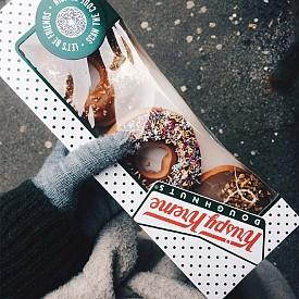 Ще започнем деня по американски с лешниково лате и Нутела донъти от Krispy Kream. Наслада за душата и сетивата. Традиционната английска закуска ще я оставим за друг ден.