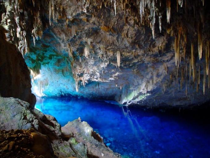 GRUTA DE LOGO AZUL /  Пещерата на синьото езеро е доказателство...