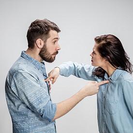 6. Въздържайте се от сочене с пръст, осмиване и взривоопасни думи.