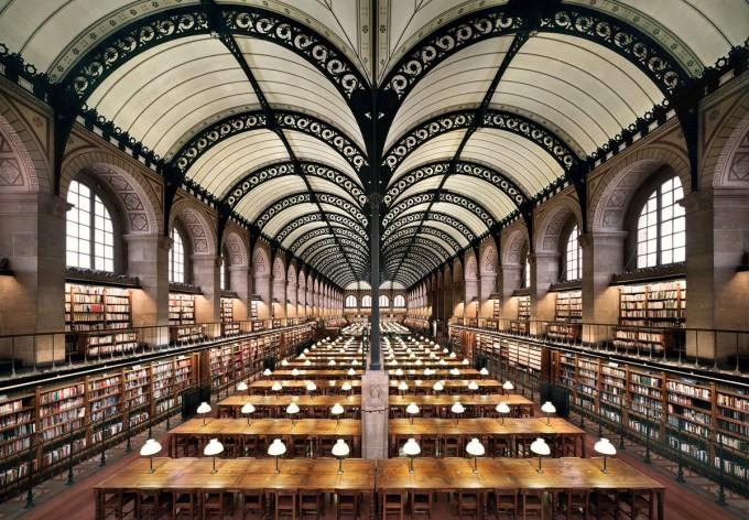 Библиотека Sainte-Geneviève, Париж, Франция. Съдържа повече...